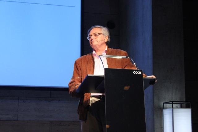 Moisés Naím durante la conferencia en el CCCB de Barcelona
