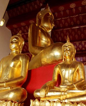 Estatua del Buda que debía proteger el reinado del rey Rama II, en el Wat Arun (Bangkok)