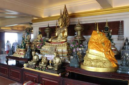 Reliquia de Buda traída desde la India en instalada en el Golden Maountain por el rey Rama V (Bangkok).
