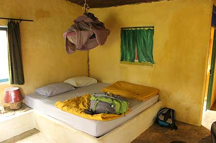 Imagen de la habitación de la cabaña en la que nos alojamos en Pai, al norte de Tailandia.