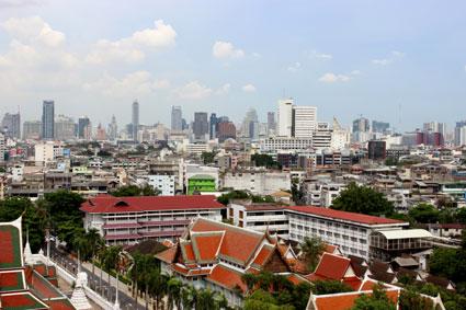 Vista de Bangkok desde la terraza del Golden Mountain.