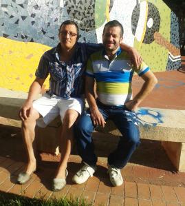 Manuel García, a la izquierda, y Pepito García a la derecha. Pepito estuvo preso 15 meses en Bolivia tras ser detenido con 486 gramos de cocaína en el estómago. Tiene un 33% de discapacidad intelectual. Indultado, ya se encuentra en España.