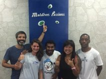 From left to right side: Diego, Esther, Jinah, Malasian girl and Mohamed, at Maldives Passions, in Maafushi (Maldives).