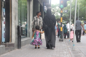El día después del Ramadán en las calles de Malé, Maldivas.